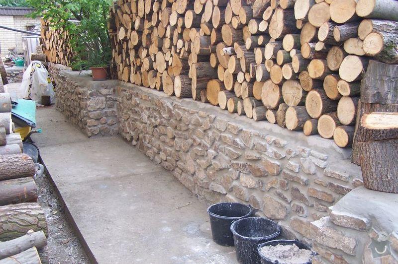 Kamenná zeď a chodníček: 100_0294