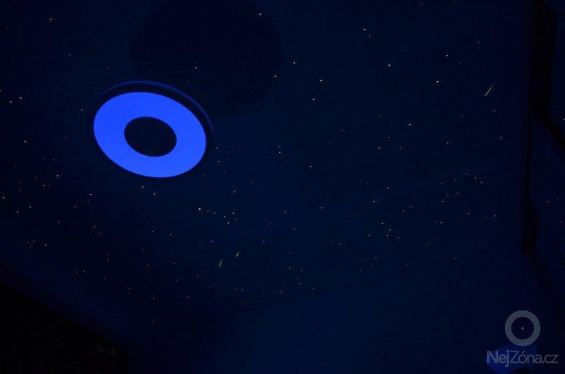 Noční obloha v ložnici dospělých i v dětském pokoji: DSC_0711