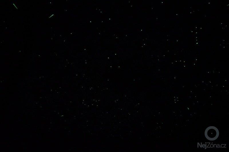 Noční obloha v ložnici dospělých i v dětském pokoji: DSC_0713