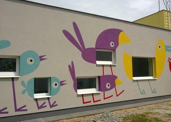 Dekorativní malby na fasádu školky v Dobrušce