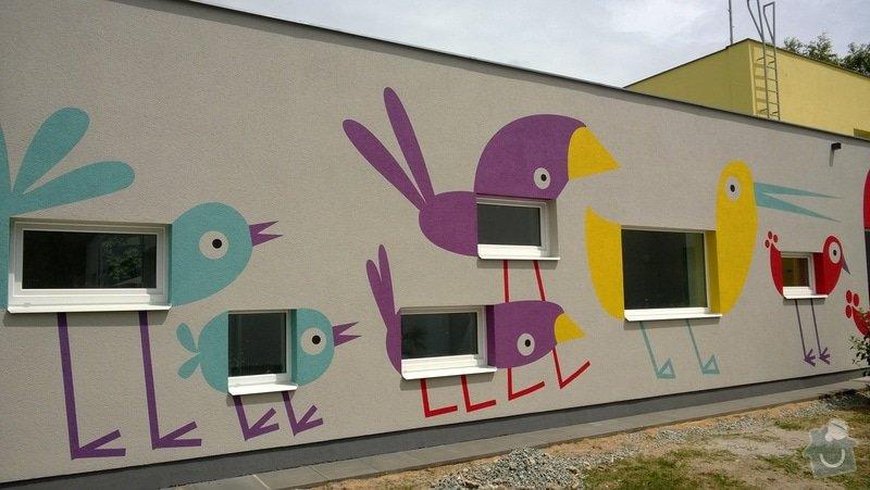 Dekorativní malby na fasádu školky v Dobrušce: Dekorativni_malba_na_fasadu_abstraktni_ptaci_MS_Dobruska_2_