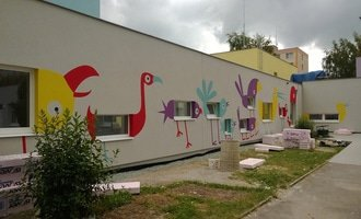 Dekorativni malby na fasadu skolky v dobrusce dekorativni malba na fasadu abstraktni ptaci ms dobruska 4