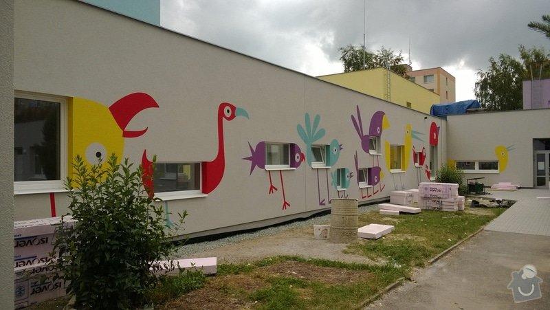 Dekorativní malby na fasádu školky v Dobrušce: Dekorativni_malba_na_fasadu_abstraktni_ptaci_MS_Dobruska_4_