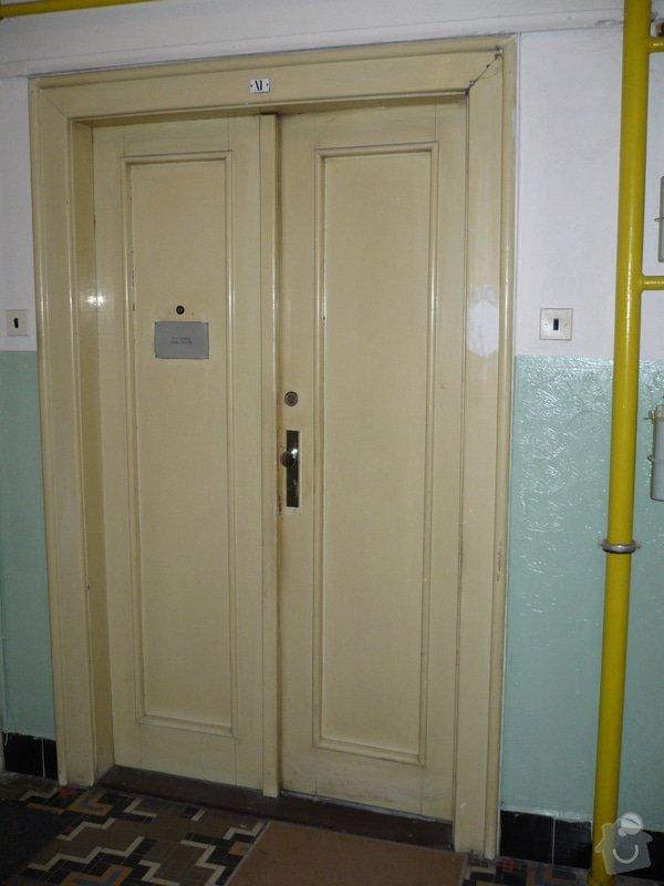 Renovace vchodových dveří do bytu.: P1060586