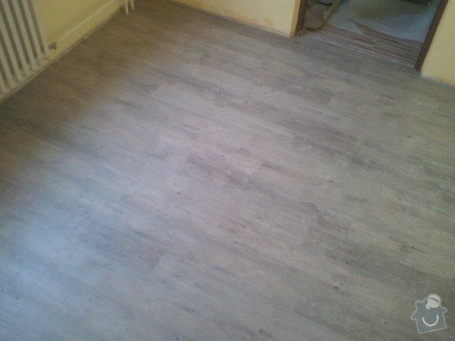 Srovnání podlahy samonivelační stěrkou, montáž vinylu, soklování, montáž prahu a přechodových lišt: 2012-07-12_19.43.58