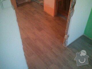 Srovnání podlahy samonivelační stěrkou, montáž vinylu, soklování, montáž prahu a přechodových lišt: 1364820924366