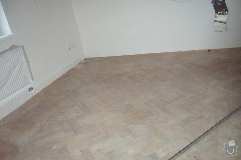 Rekonstrukce dřevěné parketové podlahy: P1100445
