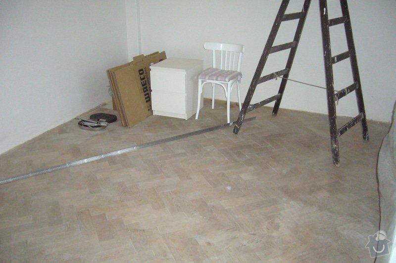 Rekonstrukce dřevěné parketové podlahy: P1100447