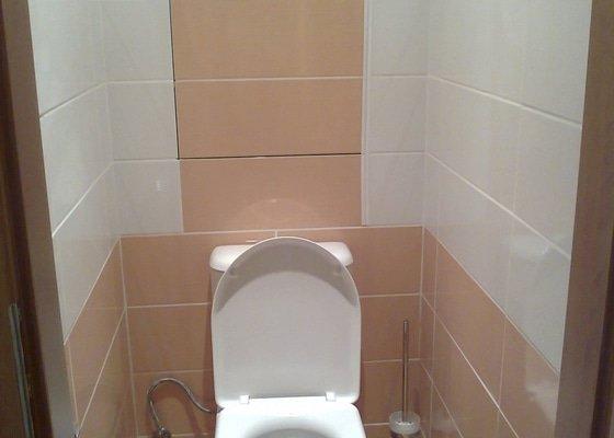 Zakrytí prostoru stoupaček za WC sadrokartonovou deskou + obklad, revize odpadu - sprchový kout