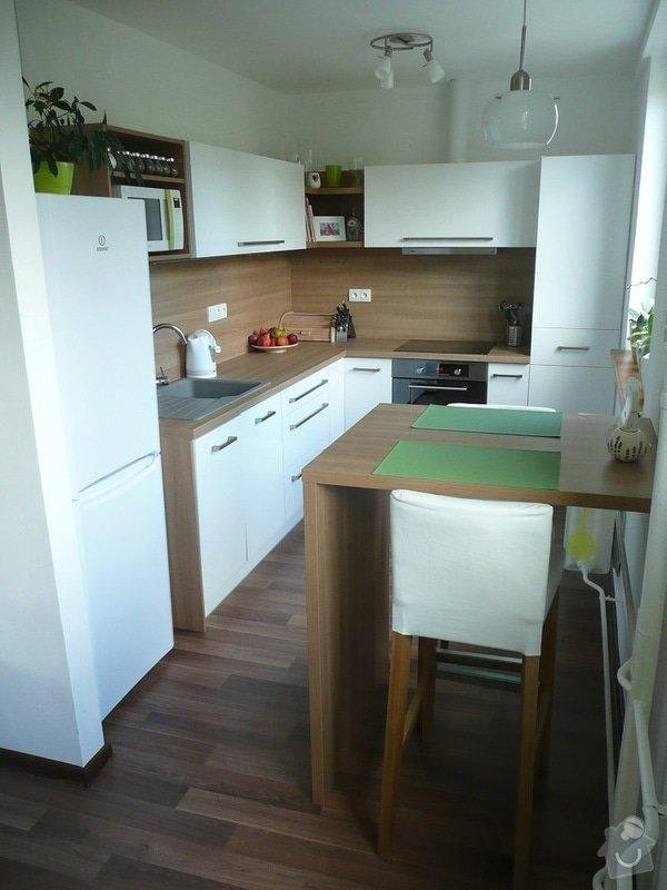 Podlaha, dveře, kuchyňská linka, botník: Sobota_1
