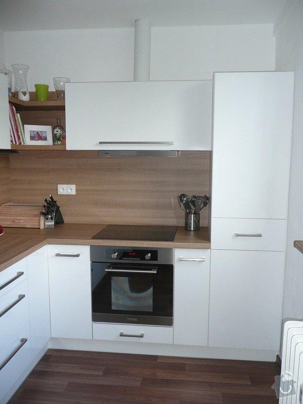 Podlaha, dveře, kuchyňská linka, botník: Sobota_2