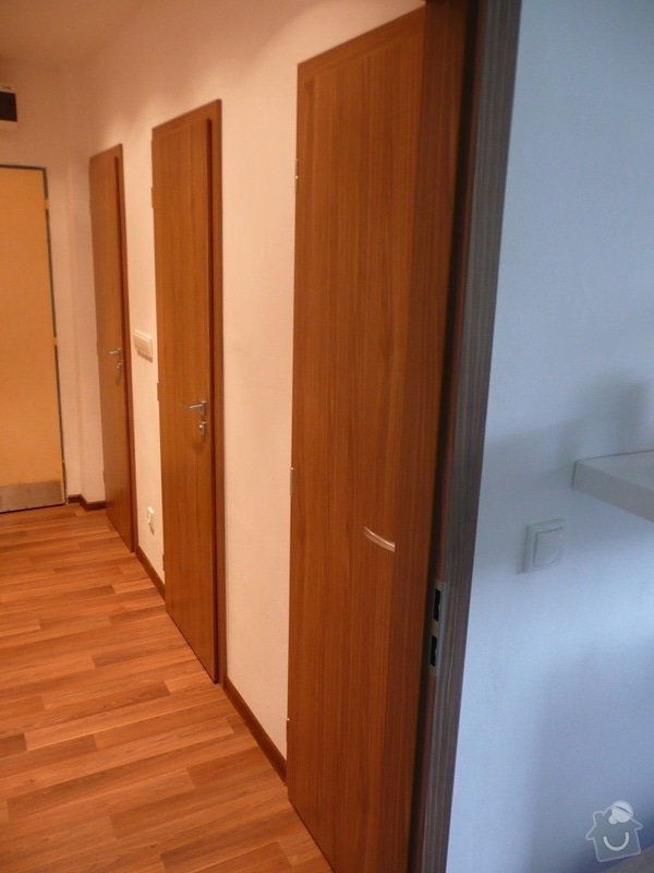 Podlaha, dveře, kuchyňská linka, botník: Sobota_6