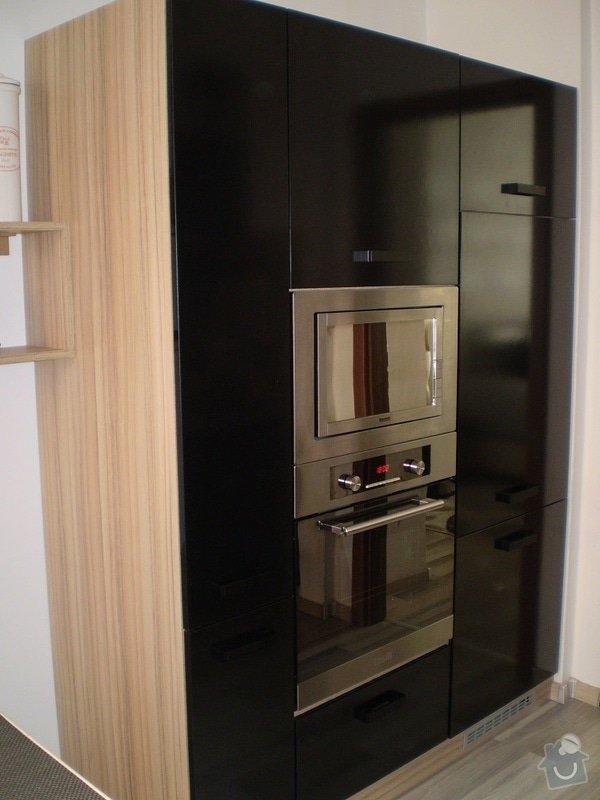 Vchodové dveře B2, kuchyňská linka: Petrickova_3