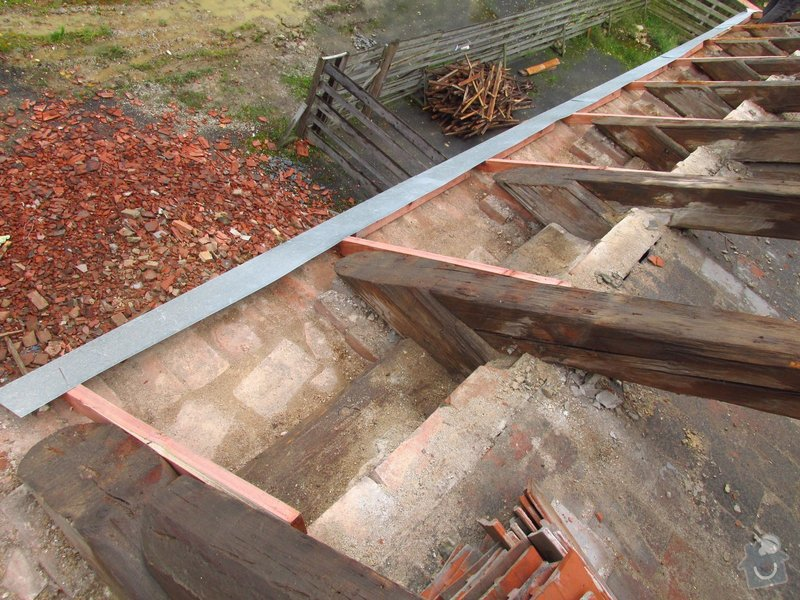 Nová střecha (materiál vlastní): IMGP2014-10-22_12-30-47