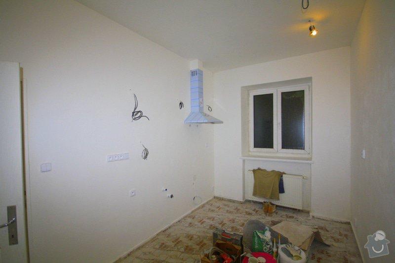 Zavedení elektroinstalace ve 4 pokojích a na schodišti: 8-IMG_9282
