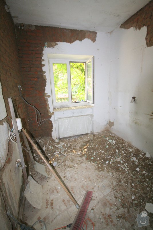 Zavedení elektroinstalace ve 4 pokojích a na schodišti: 9-IMG_8667