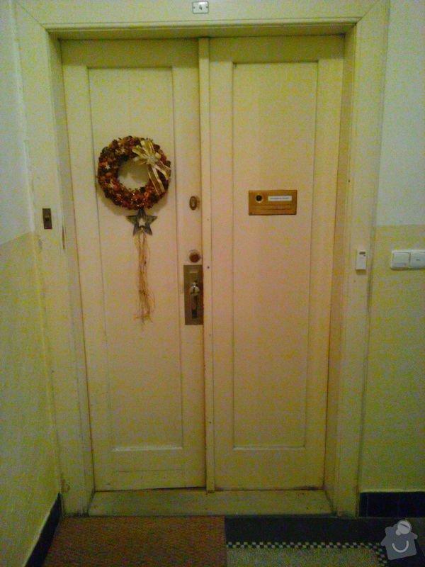 Oprava vstupních dveří: 1