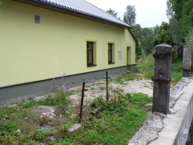 Fasáda, vyztužení rodinného domu a klempířské práce: P1170666