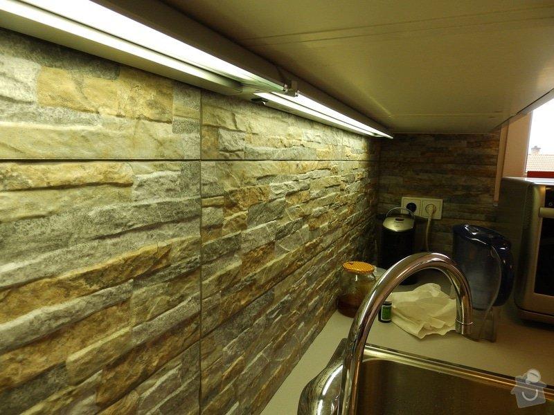 Obložení stěny u kuchyňské linky: PC040427