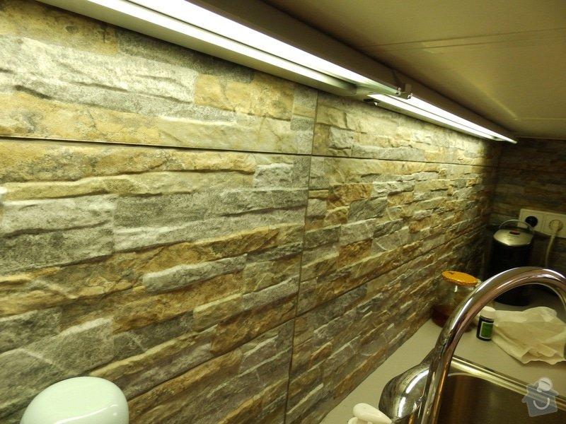 Obložení stěny u kuchyňské linky: PC040426