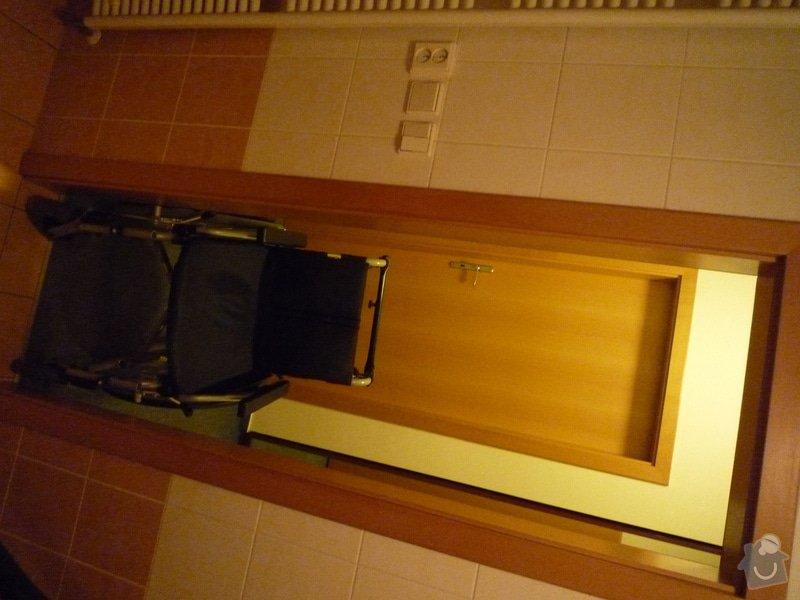 Stavební práce na klíč - rozšíření dveří do koupelny: P1000489