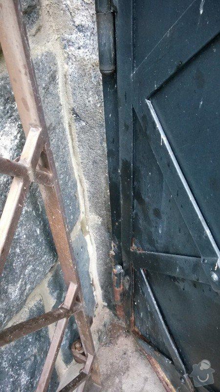 Oprava kovových dveří a rámu: WP_20141207_001