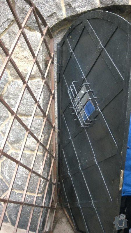 Oprava kovových dveří a rámu: WP_20141207_003