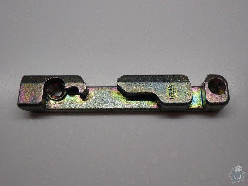 Seřízení plastových oken a dodání náhradního dílu kování.: PC110267