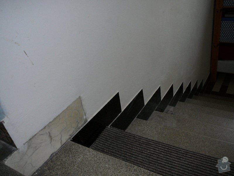 Oprava dlažby kolem schodů na chodbě v bytovém domě: P1080981