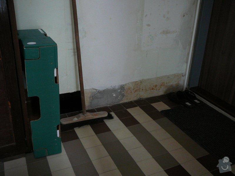 Oprava dlažby kolem schodů na chodbě v bytovém domě: P1080983