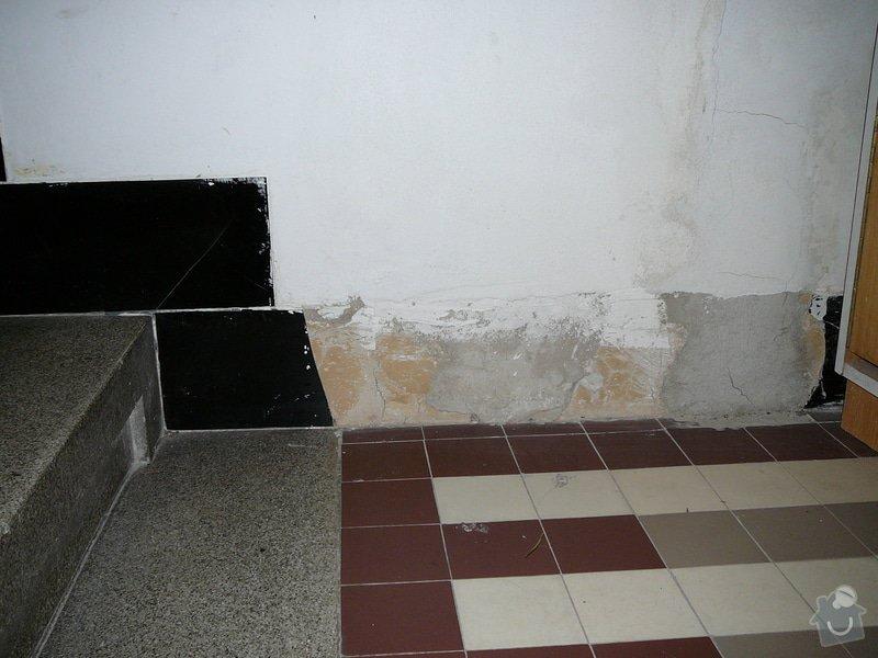 Oprava dlažby kolem schodů na chodbě v bytovém domě: P1080987