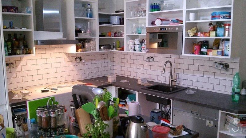 Zhotovení obkladu nad pracovní deskou v kuchyni: 20141027_125026