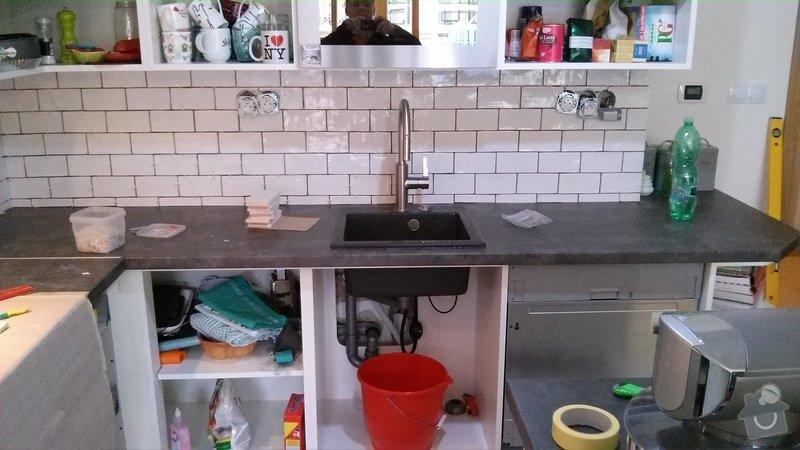 Zhotovení obkladu nad pracovní deskou v kuchyni: 20141027_125038