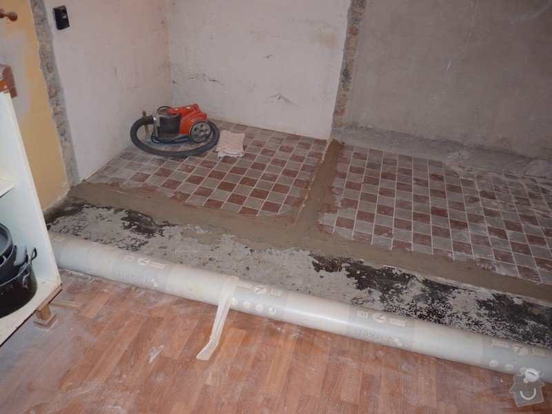 Rekonstrukci a vyrovnání betonové podlahy v kuchyni - přibližně 5,25 x 3,30 m: P1170681