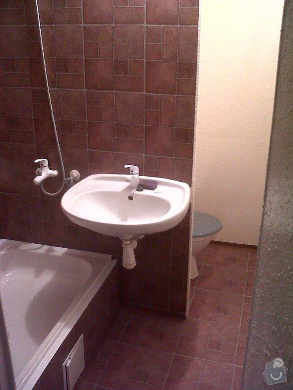 Obložení vanového koutu v umakartové koupelně: IMG00193-20111015-0746