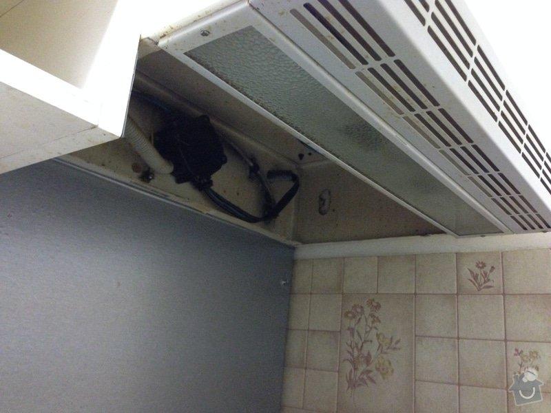 Výměna v paneláku, oprava těsnění v oknu: IMG_2571