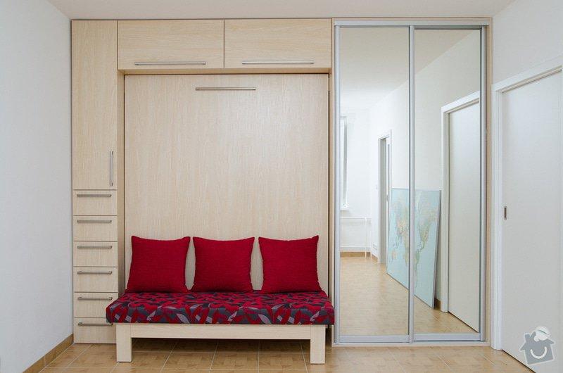 Kuchyňská linka a úložná skříň s vyklápěcí postelí a sedačkou. : 4-39
