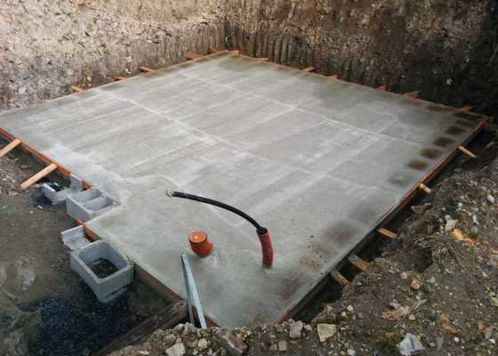 Výstavba základové desky s podsklepením