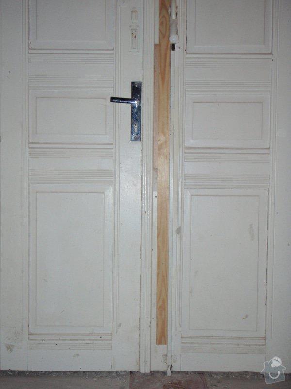 Renovace vstupních dvoukřídlých dveří: P1080126
