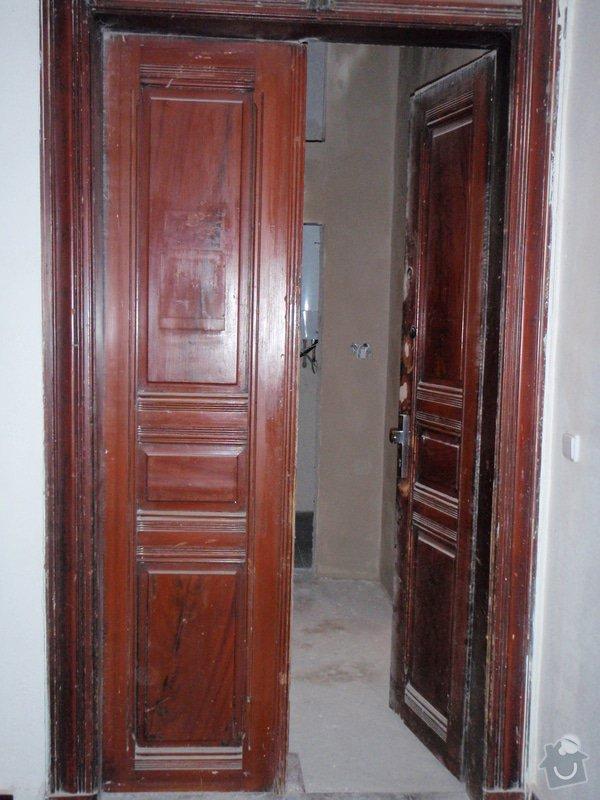 Renovace vstupních dvoukřídlých dveří: P1080128