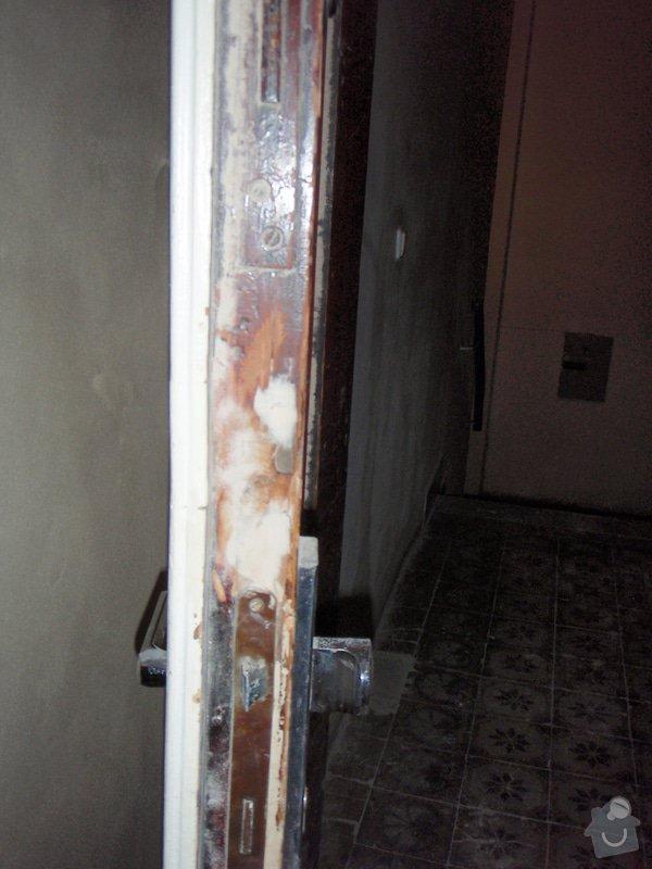 Renovace vstupních dvoukřídlých dveří: P1080130