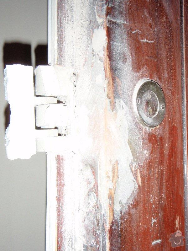 Renovace vstupních dvoukřídlých dveří: P1080131