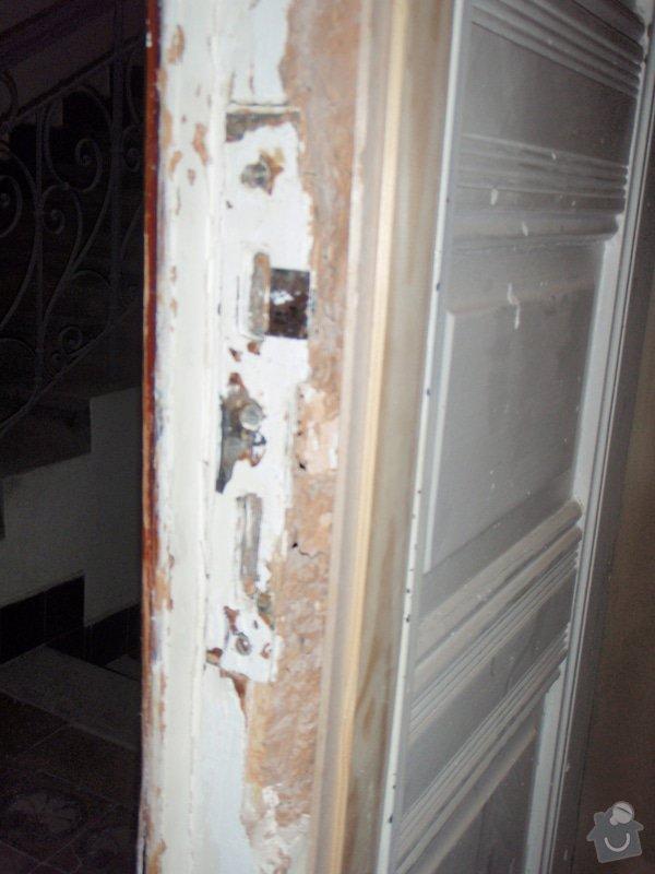 Renovace vstupních dvoukřídlých dveří: P1080132