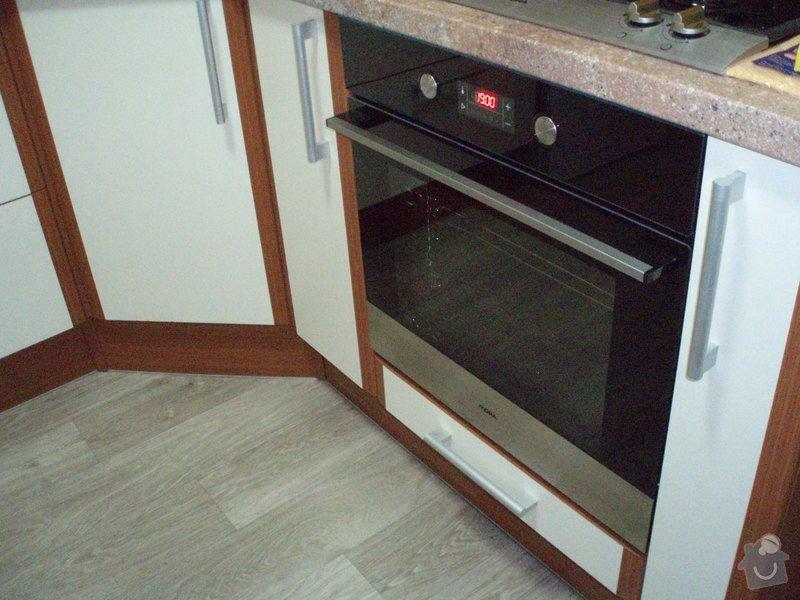 Rekonstrukce kuchyně: PC154573