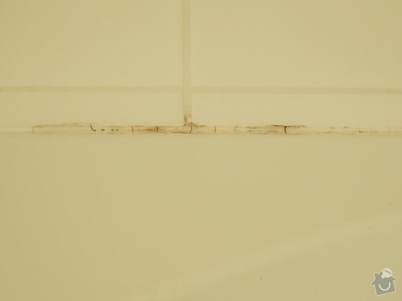 Oprava plesnivych spar v koupelne: vana_plisen
