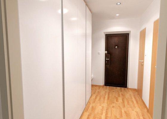 Obývací pokoj a chodba- návrh a vizualizace