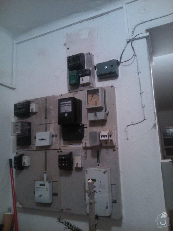Zřízení el.zásuvky ve společných prostorách domu: DSC_0196