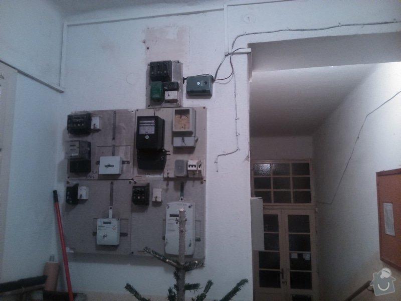 Zřízení el.zásuvky ve společných prostorách domu: DSC_0197