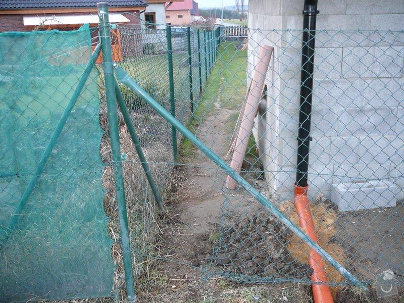 Oprava drátěného plotu: P1070798