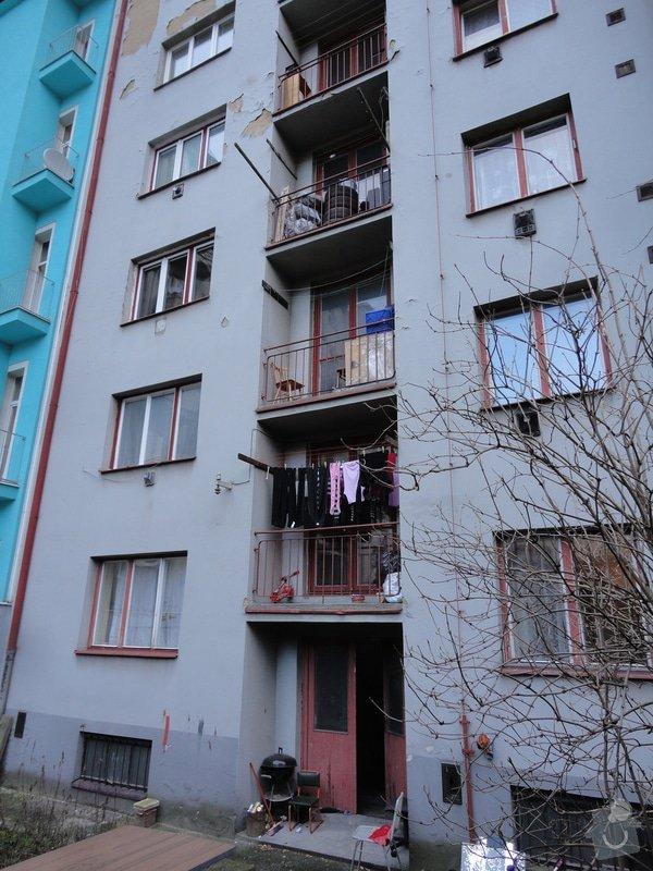 Zateplení fasády cihlového domu (6 pater) a oprava balkonů: DSC06774